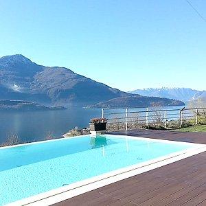 Ferienwohnung, Comer See: Baden im Pool, ein besonderes Erlebnis